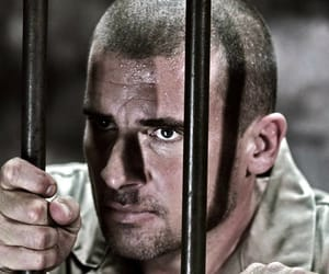 prison break, lincoln burrows, and dominic purcell image