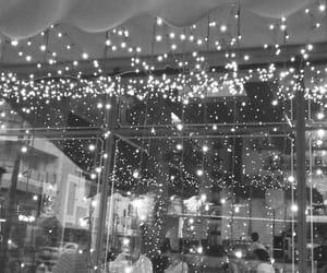bar, dots, and black&white image