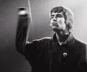 gif, liam gallagher, and oasis image