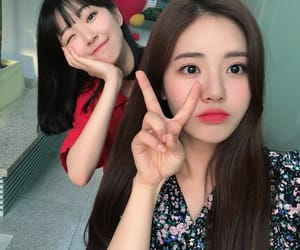 girl group, korean, and kpop image