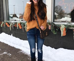 brunette, cool girl, and invierno image