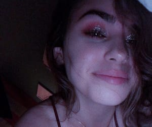 glittery, kyliejenner, and grainy image