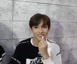 icon, idol, and korean image