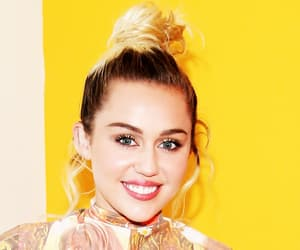miley cyrus, miley, and Queen image
