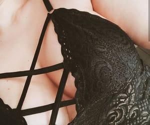 encaje, lenceria negra, and sosten negro image