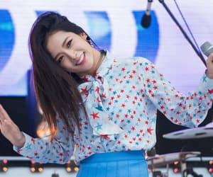 beauty, korean, and kim jisoo image