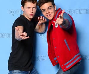 tom holland, Marvel, and andrés navy image