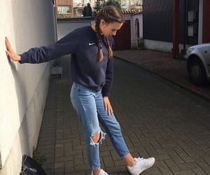 outfit, girl, and nike image