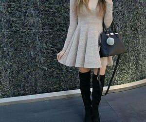 beige, vestido, and bolso image