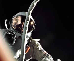 astronaut, astronauta, and astronomia image