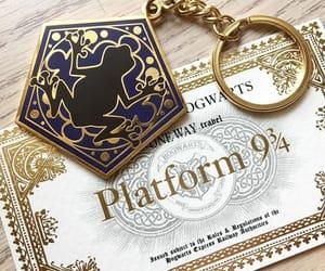 gold, harry potter, and hogwarts image