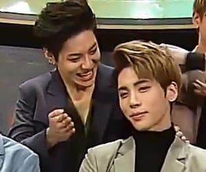 gif, Jonghyun, and k-pop image