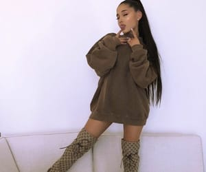 album, Queen, and sweetener image