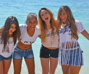beach, best friends, and clothes image