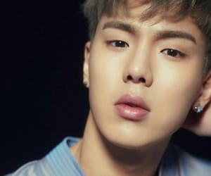 k-pop, hyunwoo, and shownu image