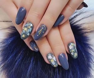 almond, chic, and nails image