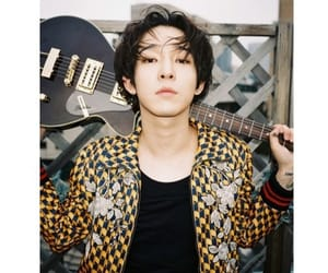 guitar, star, and taehyun image