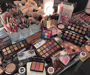 aesthetic, rich, and makeup looks image