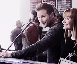 bryce dallas howard, gif, and chris pratt image