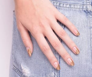 nails and golden image