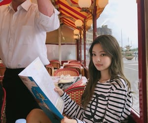 k-pop, yg, and Queen image