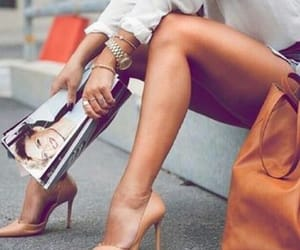 chicas, magazines, and tacones image