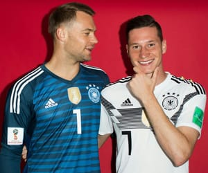 manuel neuer and julian draxler image