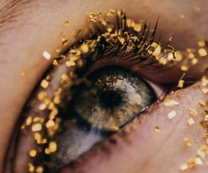 eye and gold image