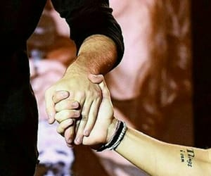hands, niall horan, and Harry Styles image