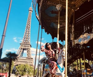 fun, izzy, and torre eiffel image