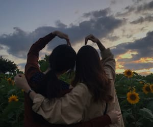 girl, aesthetic, and friendship image