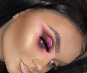 creative, glow, and bronzer image