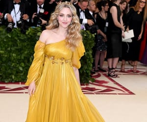 amanda seyfried, yellow, and met gala image