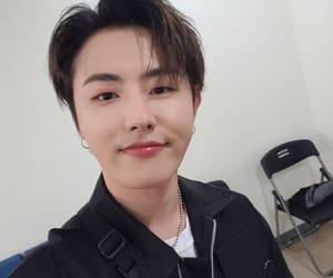 asian boy, kpop, and ukwon image