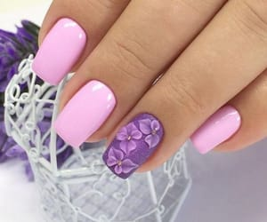 manicure and pink image