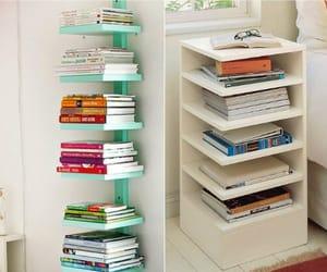 livros, prateleira, and quarto image