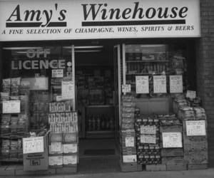Amy Winehouse, wine, and black and white image