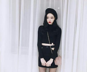 aesthetic, black hair, and korean girl image