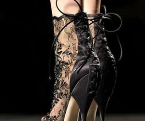 belleza, moda, and botines image