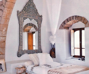 chic, home decor, and mirrors image