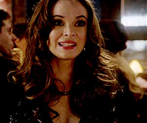 DC, the flash, and caitlin snow image