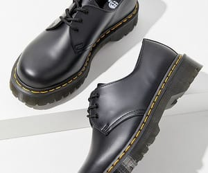 fashion, oxford shoes, and shoes image