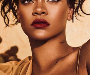famous, riri, and Queen image