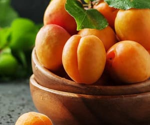 FRUiTS and apricot image