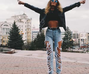 blondie, cool girl, and spring outfit image