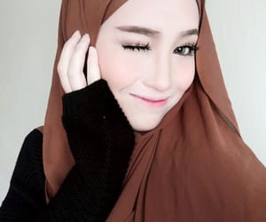 beauty, doll face, and hijab image