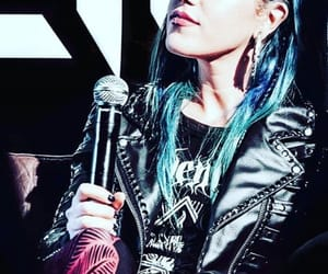 arch enemy and alissa white-gluz image