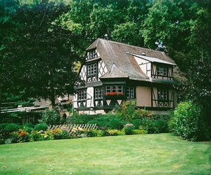 nature, house, and green image