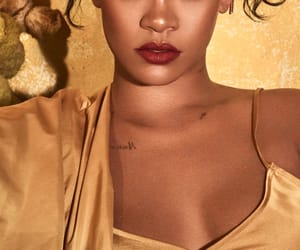 rihanna, makeup, and fenty beauty image