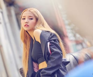 (g)i-dle, kpop, and soyeon image